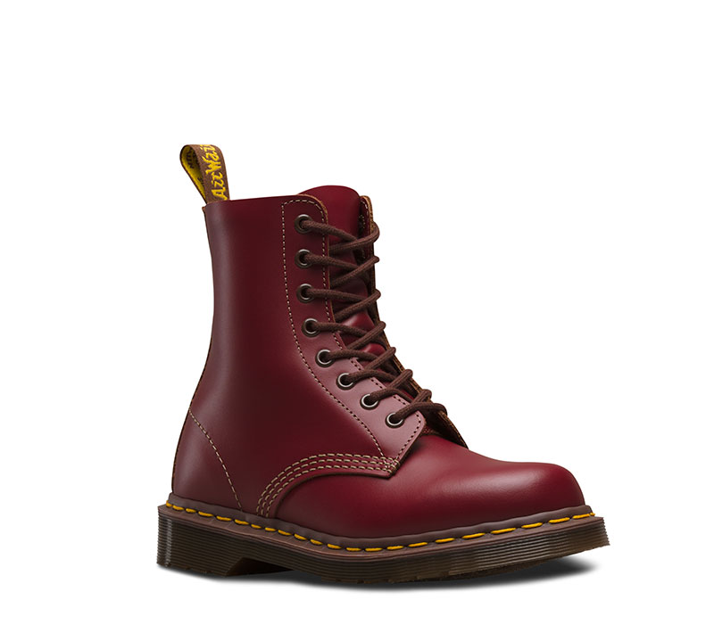 Shop women's boots, men's boots, kids' shoes, industrial footwear, leather bags and accessories at Dr. Martens official site. Free shipping on qualifying orders.